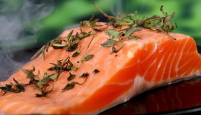 """Are \""""Wild Caught\"""" Salmon Healthier to Eat?"""