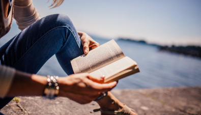 4 Ways to Ensure You Meet Your Reading Goals This Year